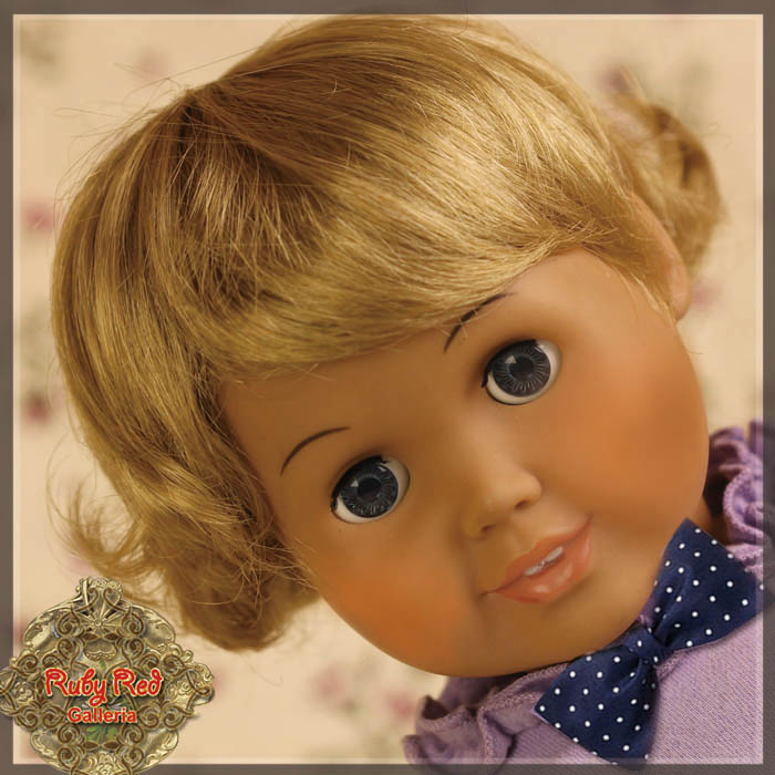 "AD0029A Blonde Wavy Boy Style Wig for 18"" Play Girl"