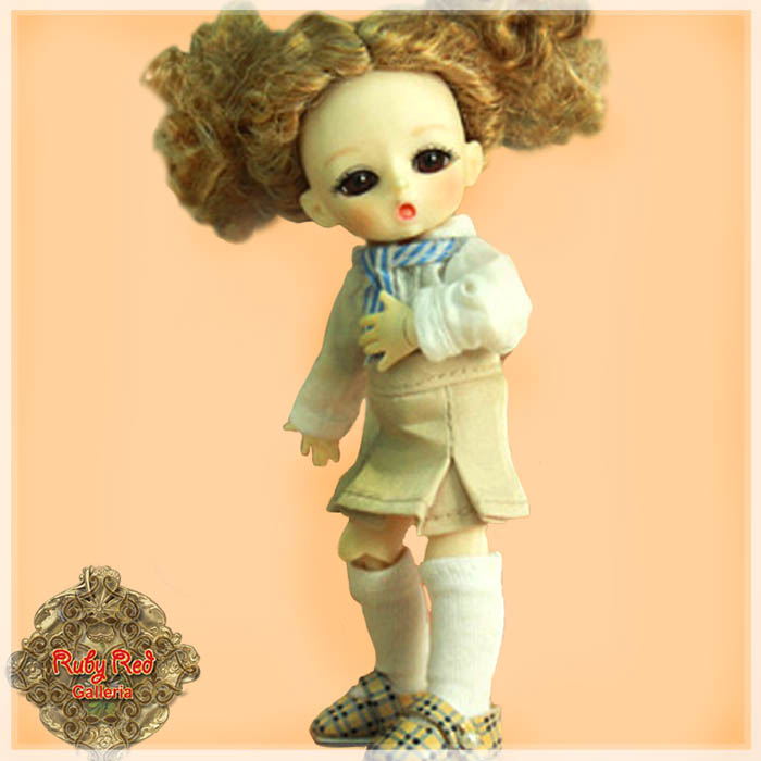 CC0006A Sing the School Song (with wig) - Cloth Set