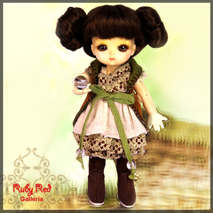 CC0010A Nurture (with wig) - Cloth Set
