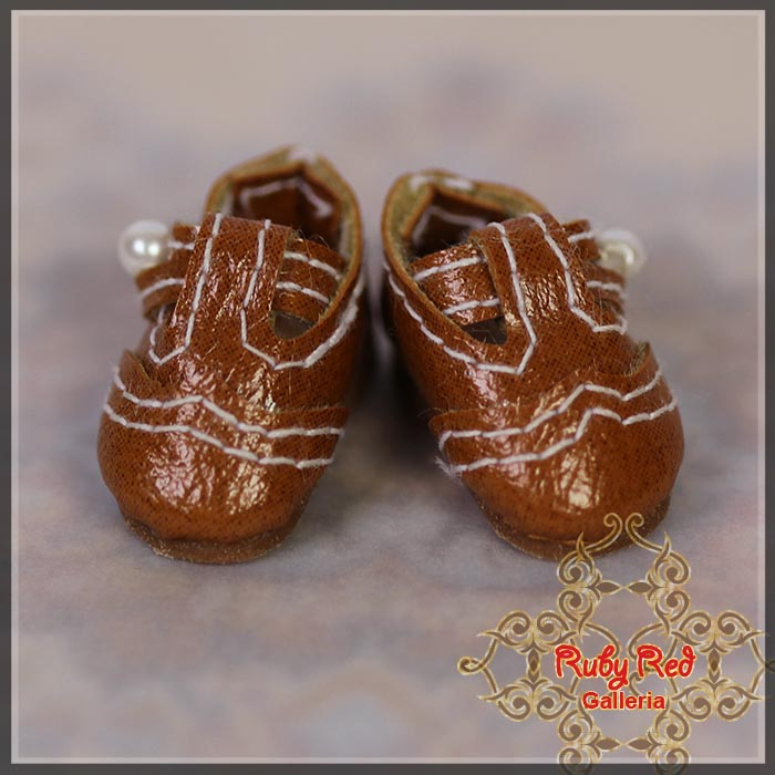 CH0017A Brown Walking Shoes