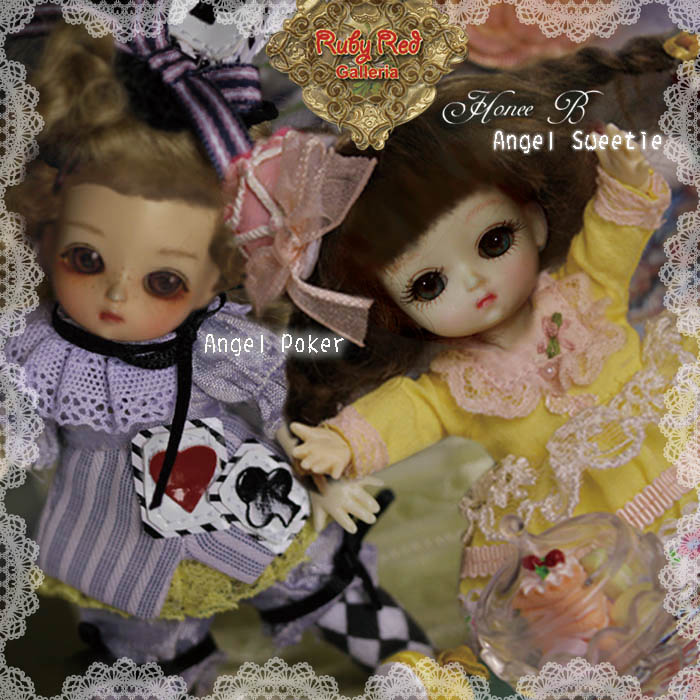 Combo 1 of RRG x DH Honee-B doll set