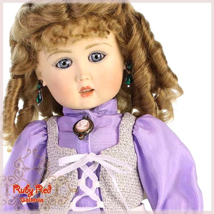EC0021A Gracious Amethyst (with wig) - Bleuette Cloth Set