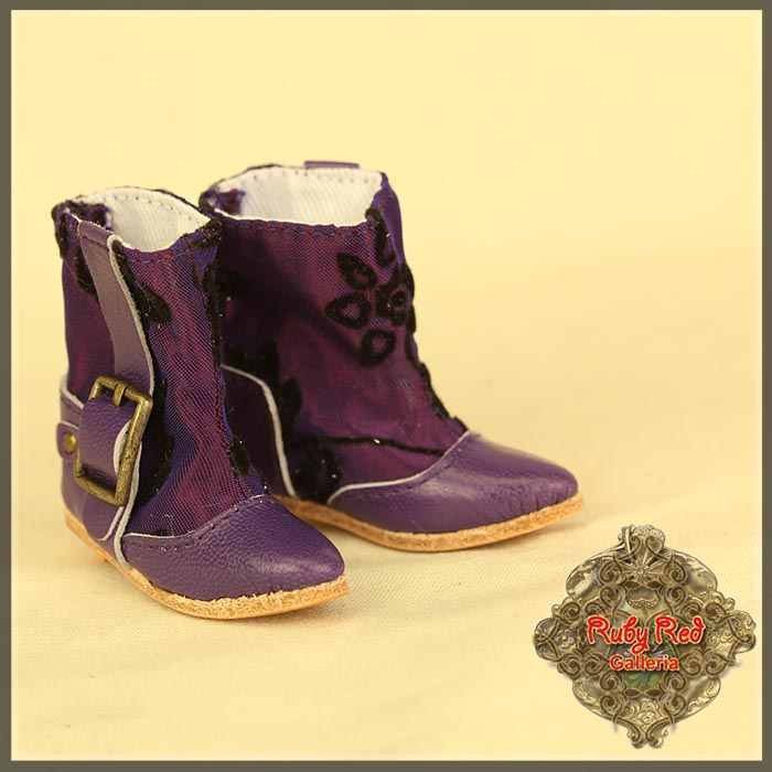 EH0043A Purple Boots with Embroidery