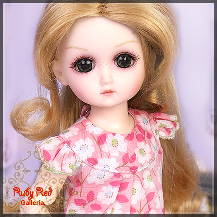 GC0002A Blossom Pink (with wig) - Cloth Set