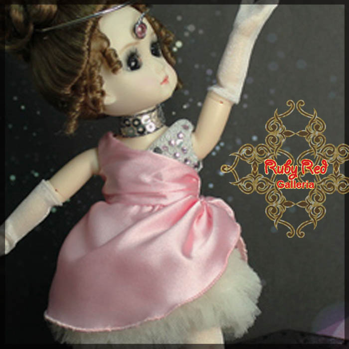 GC0009A Ballerina - Pinky (with wig) - Cloth Set
