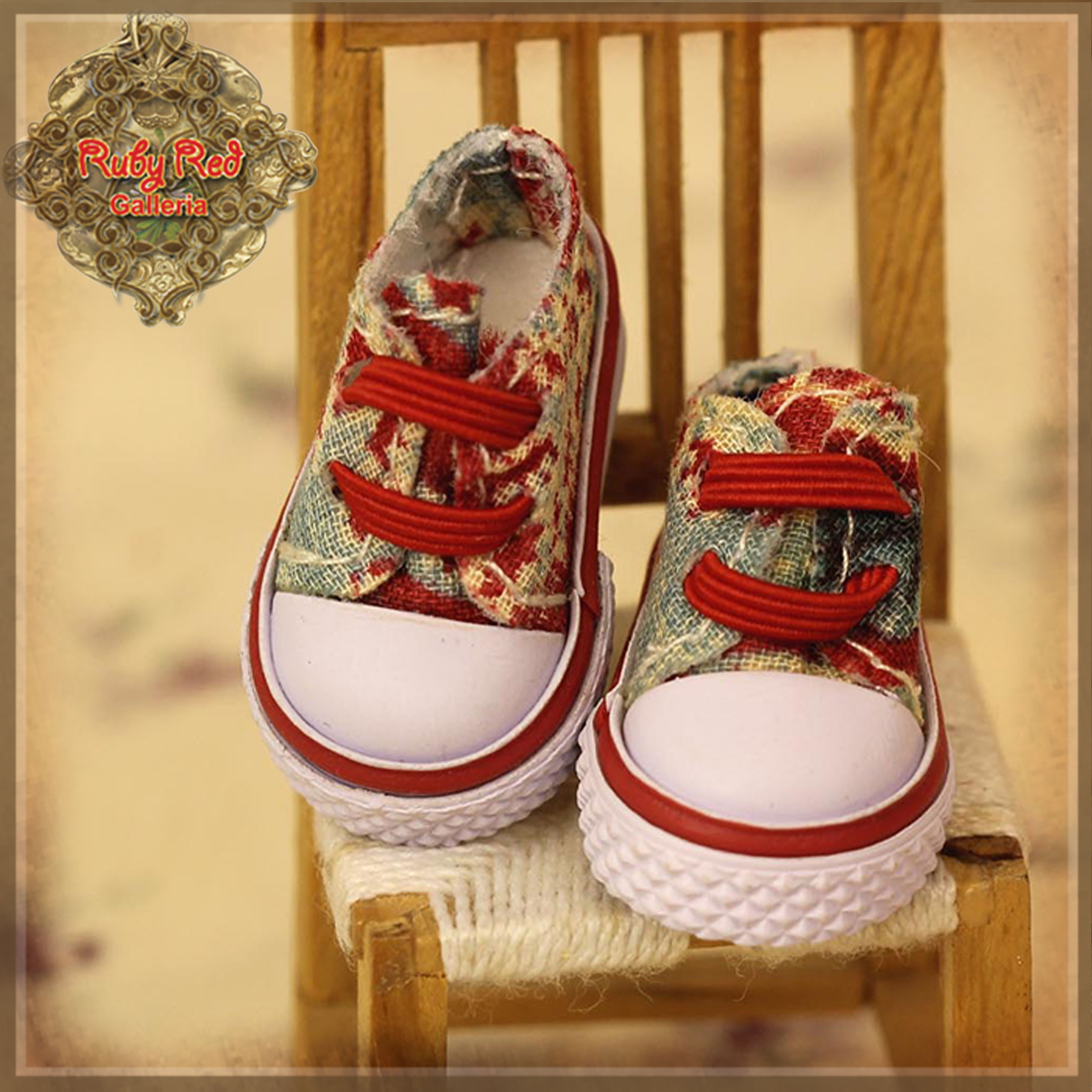 HH0016A Red Print Canvas Shoes