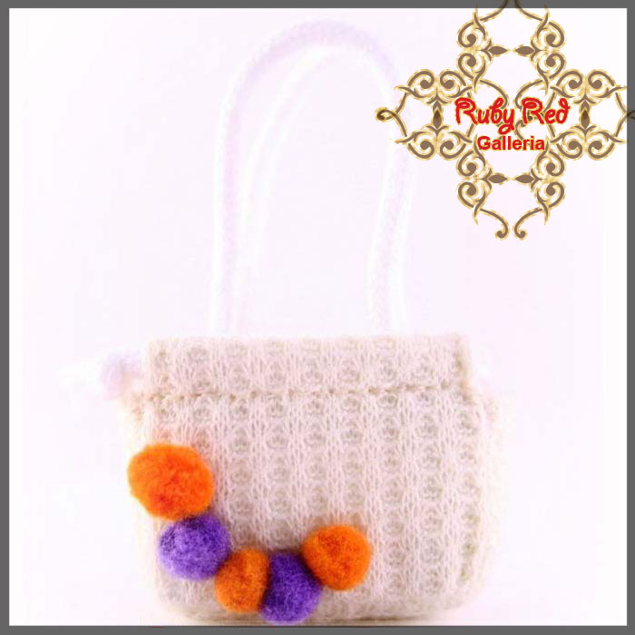 RB0004C Ivory Knitting Handbag