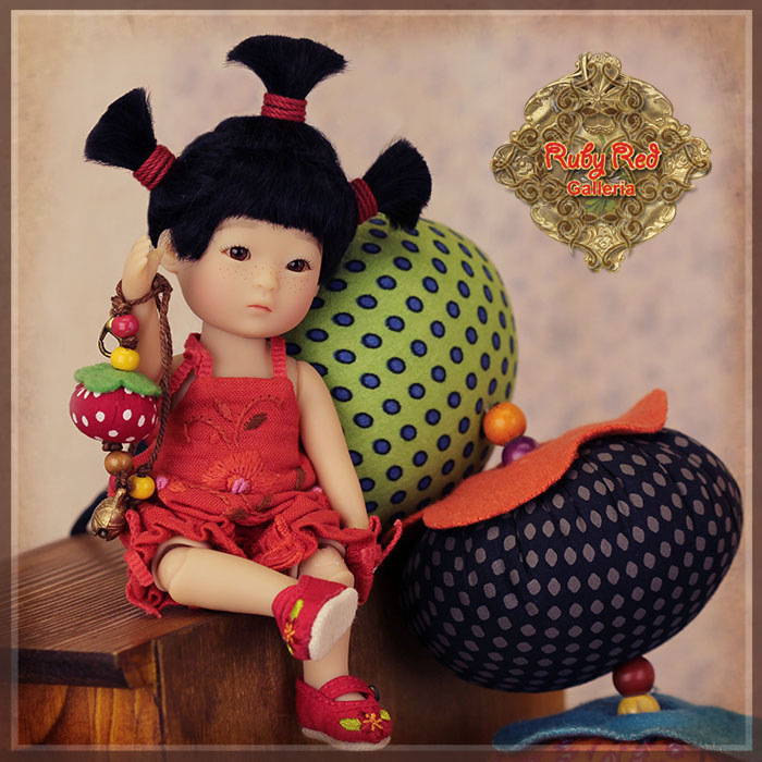 TA0003A Tanghulu - San Mi'er (Sentimental) doll set