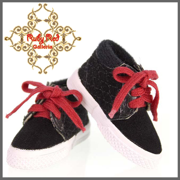 WH0032A Black Sneakers (Red Shoelaces)