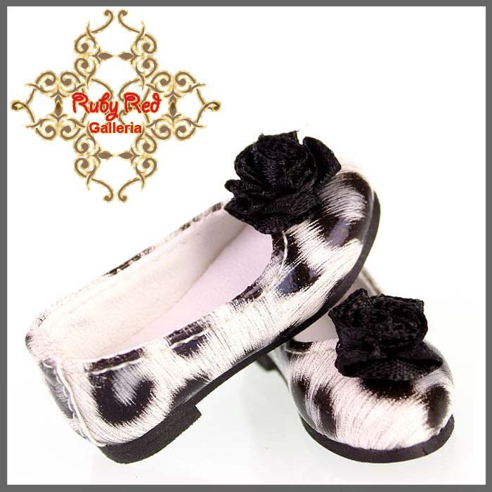 WH0036A Black and White Slip On with Black Flower