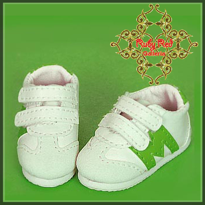 WH0050A White & Light Green Sports Shoes